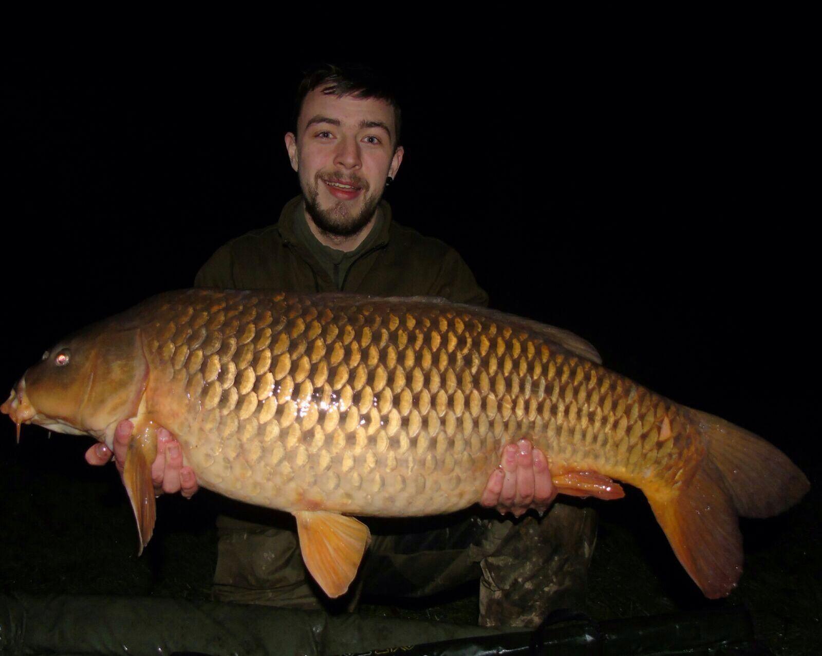 32lb-carp-Kyle-weaver-speci-lake-night-fishing-session-pleasure-fishing-Caught-on-semi-buoyant-boile-and-lead-