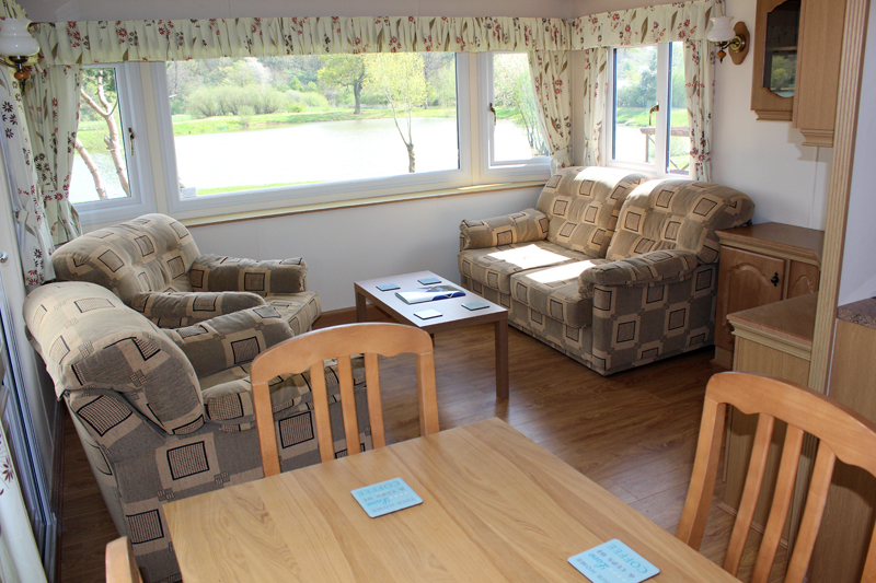 Luxury Holiday Home at Larford Lakes